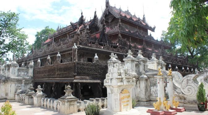 マンダレーのシュエナンドー僧院(Shwenandaw Kyaung)