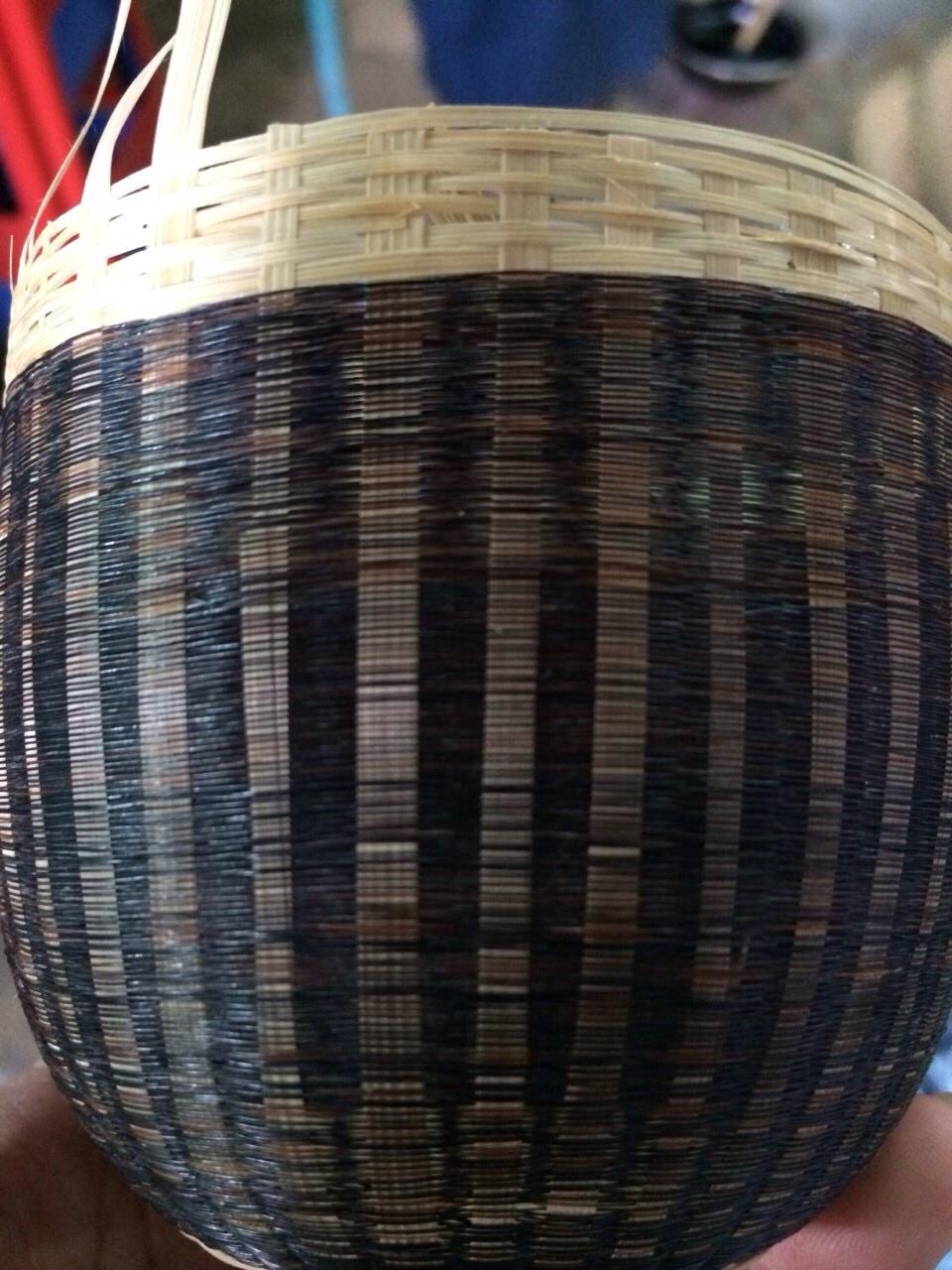 バガン塗り-竹と馬の尻尾の毛を一緒に編んだもの