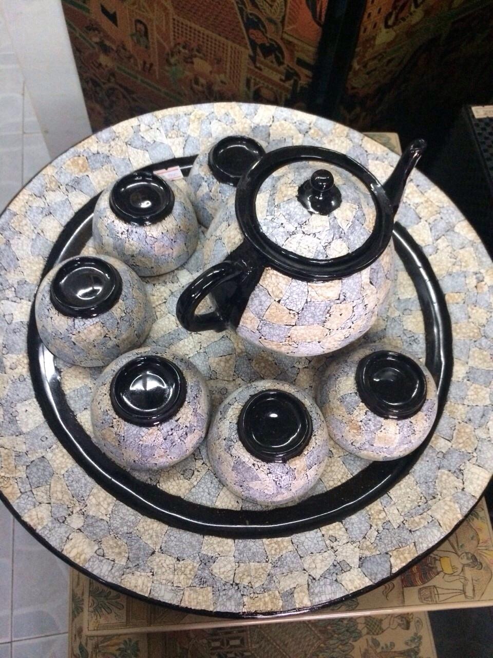 卵の殻を使ったバガン塗りの茶器のセット