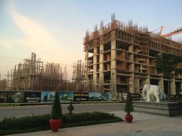 建設中のNOVOTEL HOTEL Mandalay