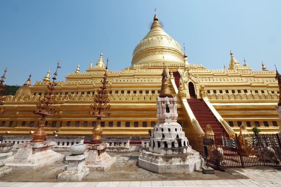バガンのシュエズィーゴン寺院