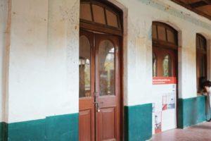 アウンサン将軍らが暗殺された部屋の扉